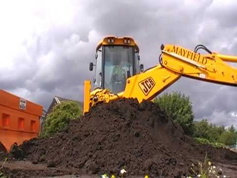JCB 3CX AT WORK 2