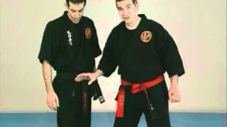 Frapper les points vitaux technique arts martiaux self défense