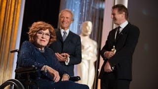 Maureen O'Hara receives an Honorary Award at the 2014 Governors Awards