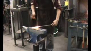 Forging a Shoe Horn 1.wmv