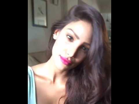 Nicole Faria hot 2