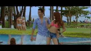 Shazahn Padamsee Hot Bikini in Housefull 2