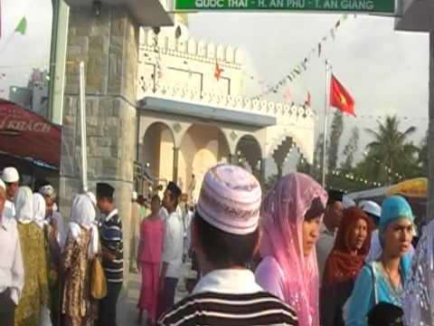 Cham Vietnam (Masjid Jamiul Muslimin Khanh Thanh Nov 2009)