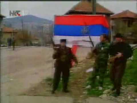 1992. JNA napada Sarajevo a Muslimani izlaze na ulice s Titovim slikama i jugoslavenskim zastavama