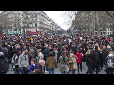 Manifestation à Paris contre la corruption des élus politiques