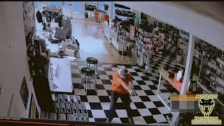 Clerk Finds Opportunity to Get the Drop on Felon Robbing Him | Active Self Protection