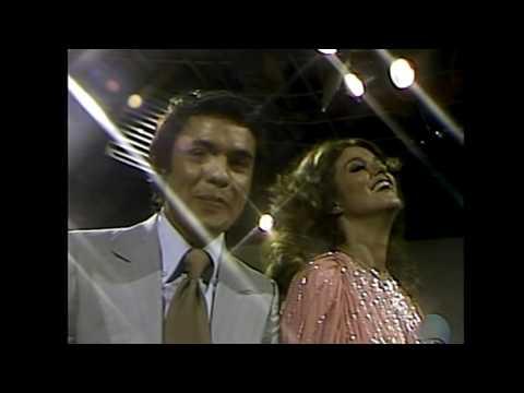 Lucía Méndez y Juan Gabriel Siempre Estoy Pensando En Tí en BAILAN El DVD