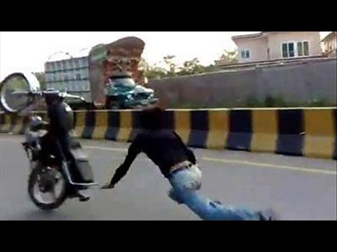 bike one whiling accident in pakistan 2016