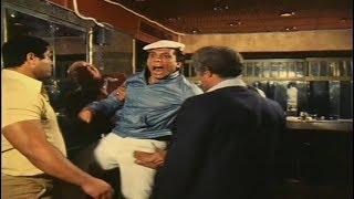 الزعيم ياكل علقة سخنة في الكبارية  | فيلم عصابة حمادة و توتو