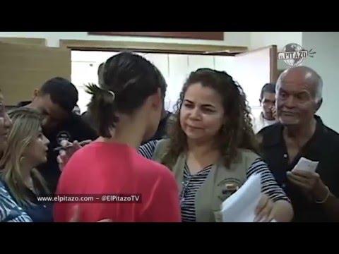 Iris Varela recibió jalón de pelo