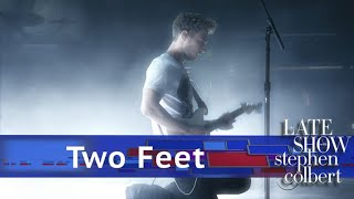 Two Feet Performs