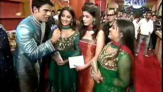 STAR PARIVAR AWARDS 2009 RED CARPET NIDHI UTTAM & KARAN MEHRA