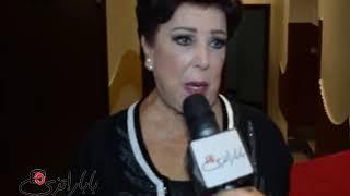 """رجاء الجداوي لـ""""باباراتزي"""": """"انا اعيل من العيال"""""""