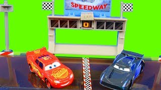 Disney Cars 3 Lightning McQueen Races Jackson Storm On Midnight Jump Set With Cars Carrying Case
