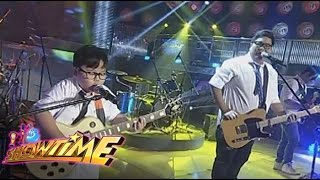 Jugs Mini Me & Itchyworms on It's Showtime stage
