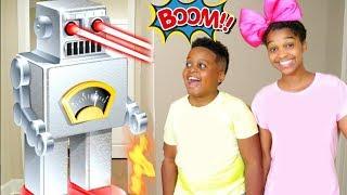 Shasha And Shiloh vs NEW ROBOT TOY! - Onyx Kids