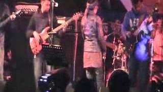 Lalon Band Sumi Perform
