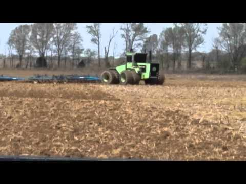 Steiger tiger plowing straight pipe