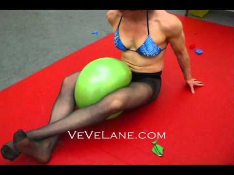 VeVe vs the Balloons