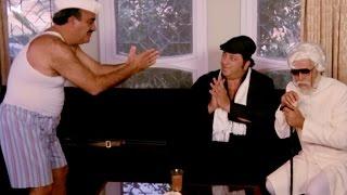Man comes Naked to meet Amjad Khan | Comedy Scene - Peechha Karro