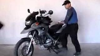 NB's F6550GS - How to Put the Motorcycle on the Centerstand