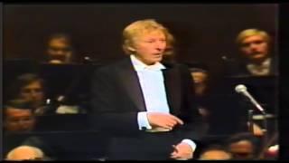 Danny Kaye - Aida's Triumphal March (New York Phil.)