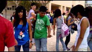 fat man touch his dick on school (green shirt)