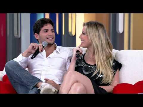 Melhores Momentos de Fernanda Keulla e André no Encontro Com Fatima 12 06 2013