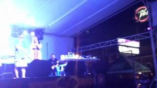 Zara Lopez show at MetroWalk