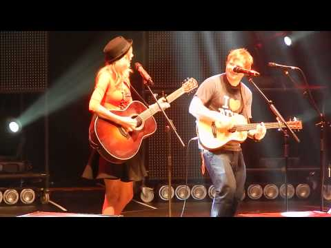 Ed Sheeran and surprise guest Taylor