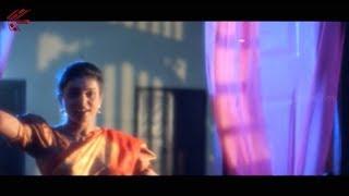 Chiranjeevi & Roja Love Scene || Big Boss Movie