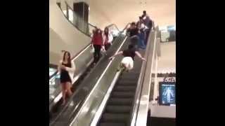 Super man in Escalator lift - মজা লস কেরে - কেউ আমারে মাইরালা