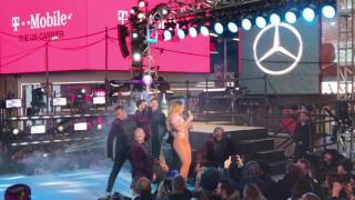 FULL VIDEO OF MARIAH CAREY'S 'MASSIVELY EPIC' PERFORMANCE AT NEW YEAR'S EVE 2017