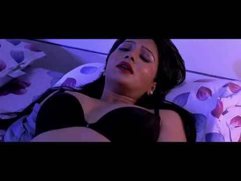 mallu aunty romance on bed