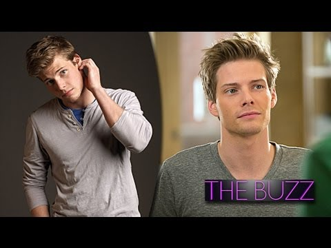 Weeds Final Season Scoop Hunter Parrish Dishes on Season 8 Nudity & Silas Shirtlessness