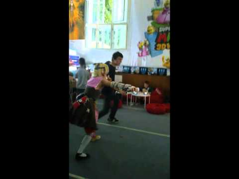 Tiny Tina dancin' YMCA