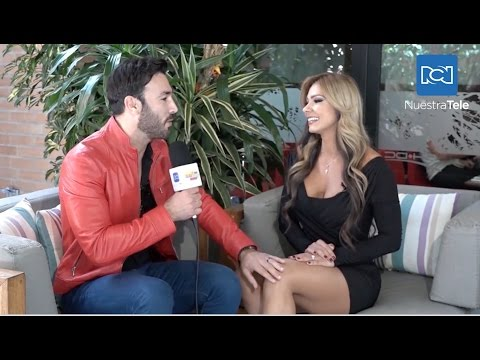 Actriz porno Esperanza Gómez intimida a presentador mexicano Christian Carabias durante entrevista