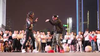 MARQUESE SCOTT AND POPPIN JOHN   AMERICAN ROBOTS LAND IN CHINA   2017