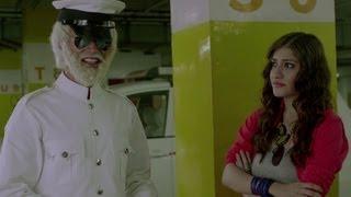 Vickrant Mahajan Insults Kainaz's Uncle - Challo Driver