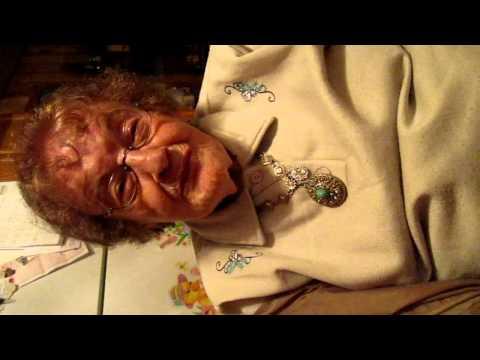 93 year old sings Rheingold beer song