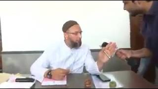 Arnab Goswami's Channel Republic Question Br. Asaduddin Owaisi Sahab