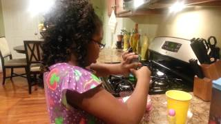 How to make Baby Alive food demonstrated by Mariah