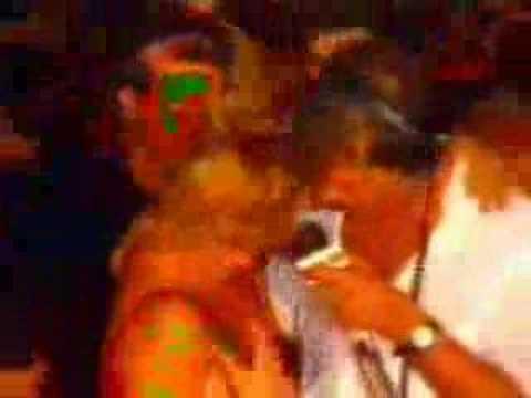 Emilio Surita sem camisa no Carnaval 88 parte 1