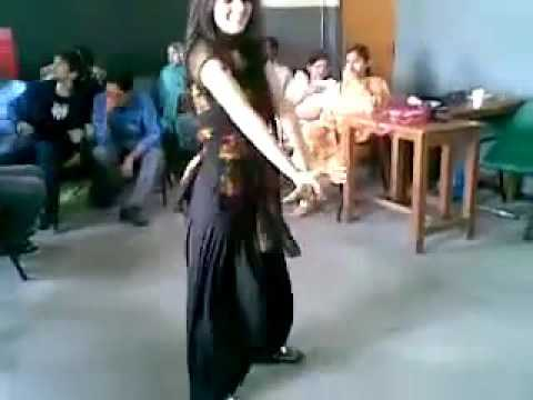 SEXY COLLEGE GIRL DANCE