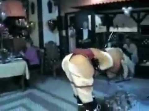 Strip tease de una cerdita