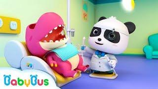 Doctor Panda Cures Baby Dinosaur