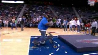 Fat guy trying to dunk off a trampoline at the Hawks game = awesome