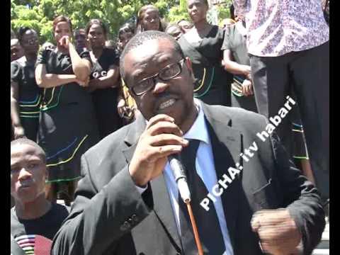 Xxx Mp4 Maelfu Ya Waombolezaji Washiriki Katika Mazishi Ya Msanii Steven Kanumba Jijni Dar Es Salaam 3gp Sex