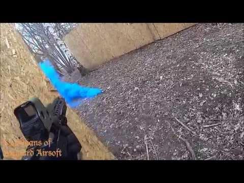 Field testing Enola Gaye / (Airsoft) EG18 Blue Wire Pull Smoke Granade