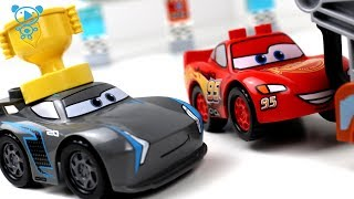 Cars 3 toys cartoon animation stop motion - Cars 3 McQueen vs Jackson Storm Race 1 Lego Duplo Cars 3
